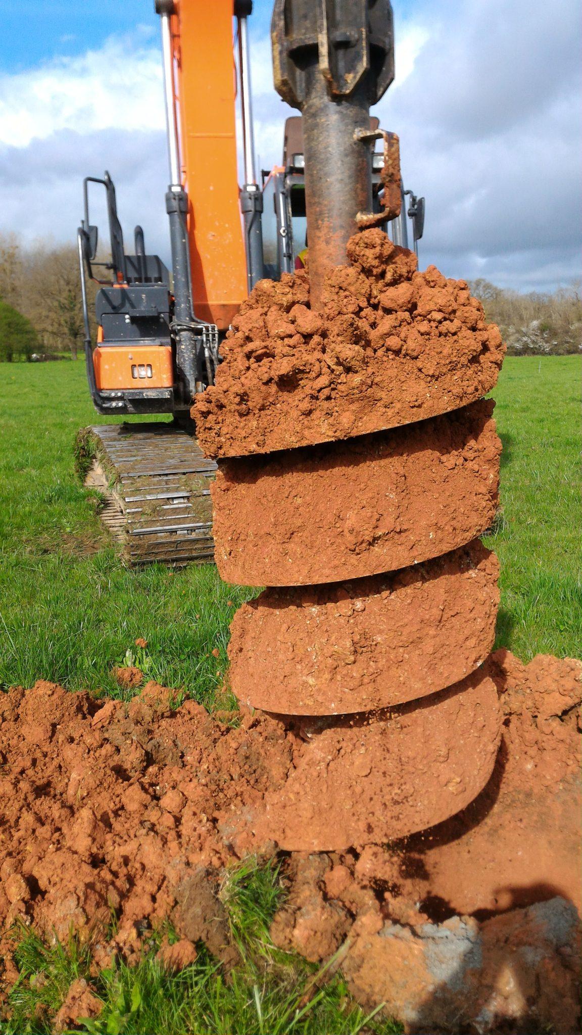 sondage de sol à la tarrière à puits